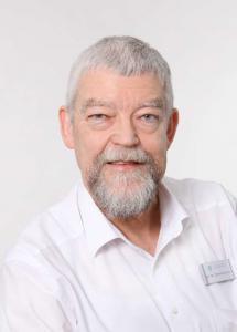 Dr. Manfred Zimmermann Portrait 2 hoch komp