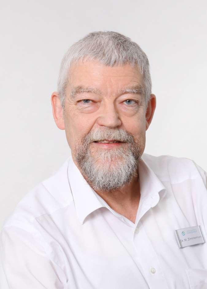 Dr.-Manfred-Zimmermann-Portrait-2_hoch_komp